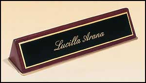 572 Rosewood Piano-finish Nameplate Holder