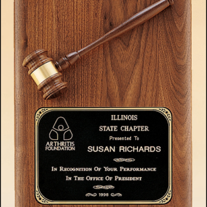 PG1687 Plaque with Walnut Gavel